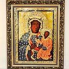 Obraz Matka Boska Częstochowska Milenijna w ozdobnej ramie