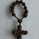 Różaniec 10 sznurkowy brązowy ze sznurkowym krzyżykiem